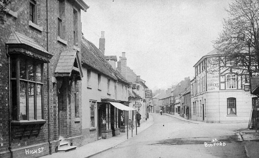 High Street, Bidford on Avon.  1900 |  IMAGE LOCATION: (Warwickshire County Record Office)