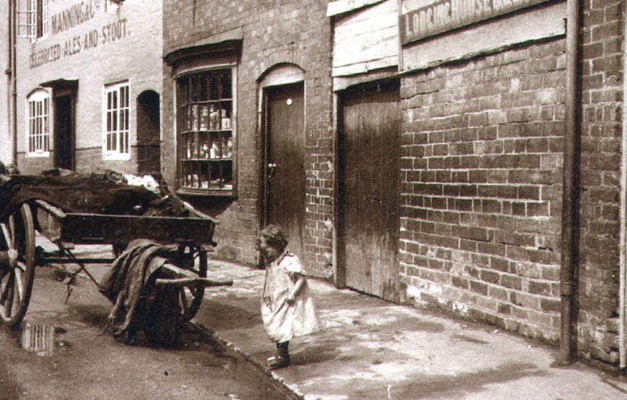Gas Street, Rugby.  1900 |  IMAGE LOCATION: (Rugby Library)
