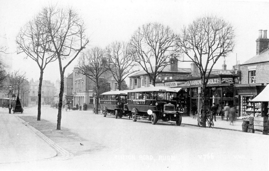 Clifton Road, Rugby, showing two Midland buses.  1920s    IMAGE LOCATION: (Rugby Library)