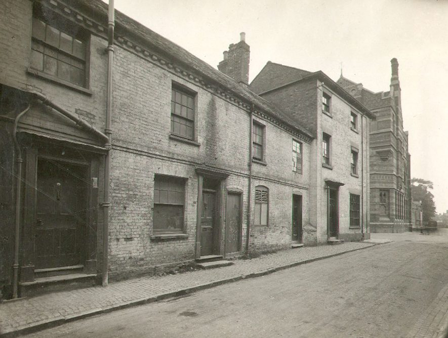 Old buildings in Drury Lane, Rugby.  1900 |  IMAGE LOCATION: (Rugby Library)