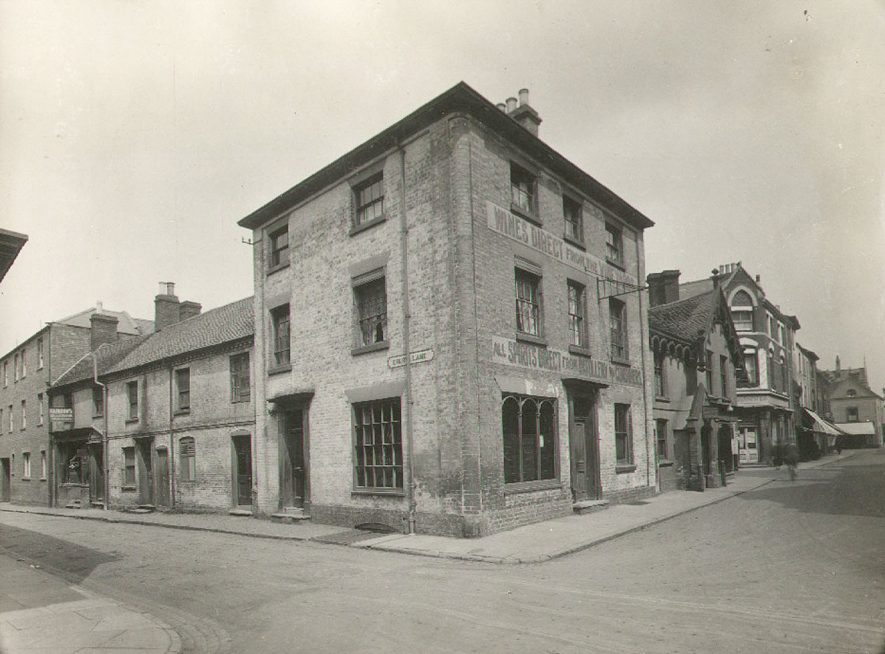 Corner of Drury Lane and Lawrence Sheriff Street, Rugby.  1925    IMAGE LOCATION: (Nuneaton Library)