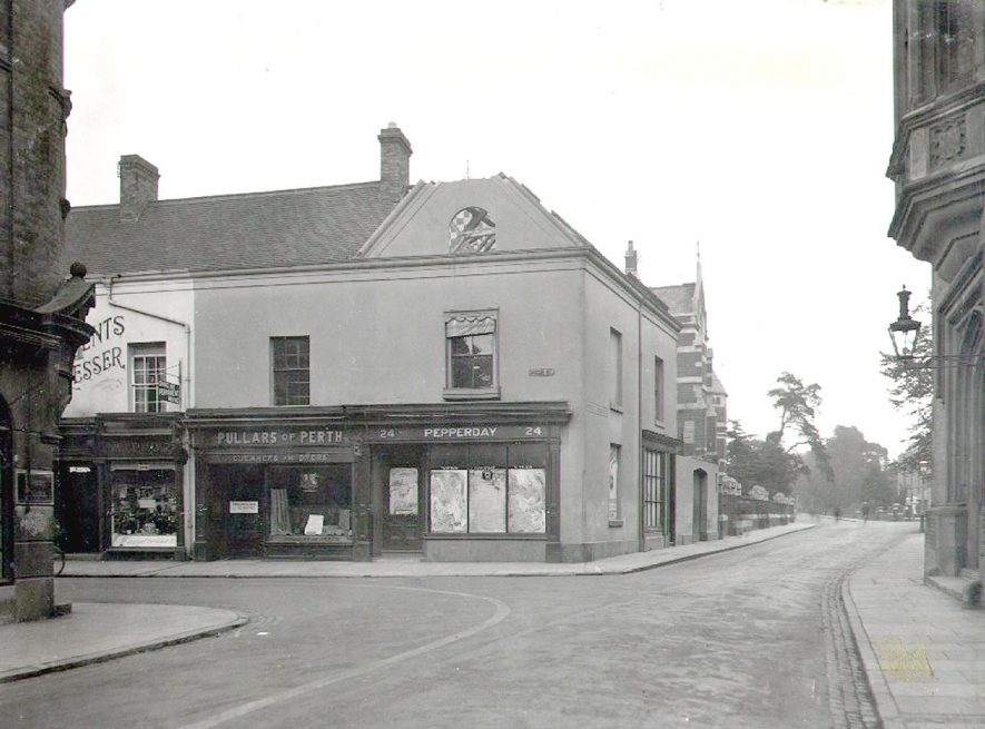 High Street, junction with Lawrence Sheriff Street, Rugby.  1929 |  IMAGE LOCATION: (Rugby Library)