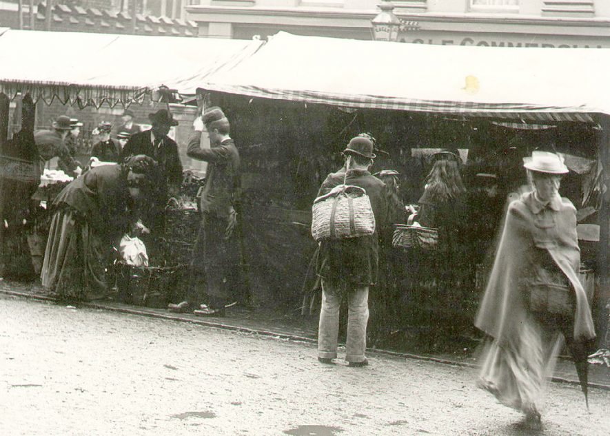 Shoppers at Rugby market about 1893. |  IMAGE LOCATION: (Rugby Library)
