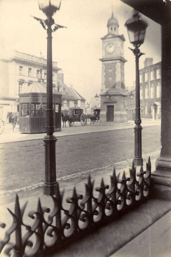 The cabman's shelter in the Market place situated opposite the George Hotel.  1898 |  IMAGE LOCATION: (Rugby Library)