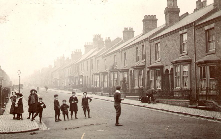 View along Oxford Street, Rugby.  1900 |  IMAGE LOCATION: (Rugby Library)