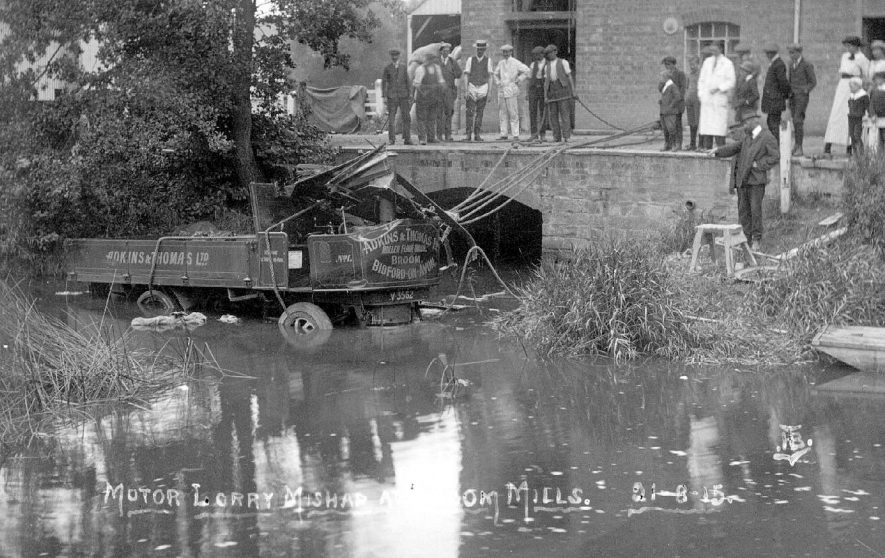Lorry belonging to Adkins and Thomas Ltd, after an accident at Broom Mills.  1915 |  IMAGE LOCATION: (Warwickshire County Record Office)