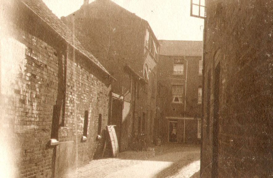 View of Windsor Court, Rugby.  1910 |  IMAGE LOCATION: (Rugby Library)