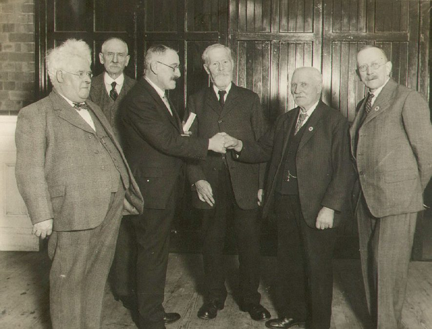Veterans of Industry Tea and Concert.  The mayor shakes hands with Mr W Shepherd, Rugby.  1935 |  IMAGE LOCATION: (Rugby Library) PEOPLE IN PHOTO: Shepherd as a surname, Shepherd, W, Fleet as a surname, Fleet, Alderman J T