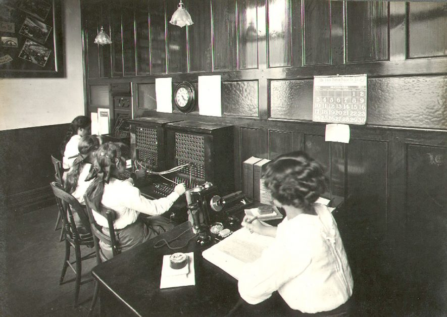 Telephone exchange at B.T.H. in Rugby.  1911 |  IMAGE LOCATION: (Rugby Library)