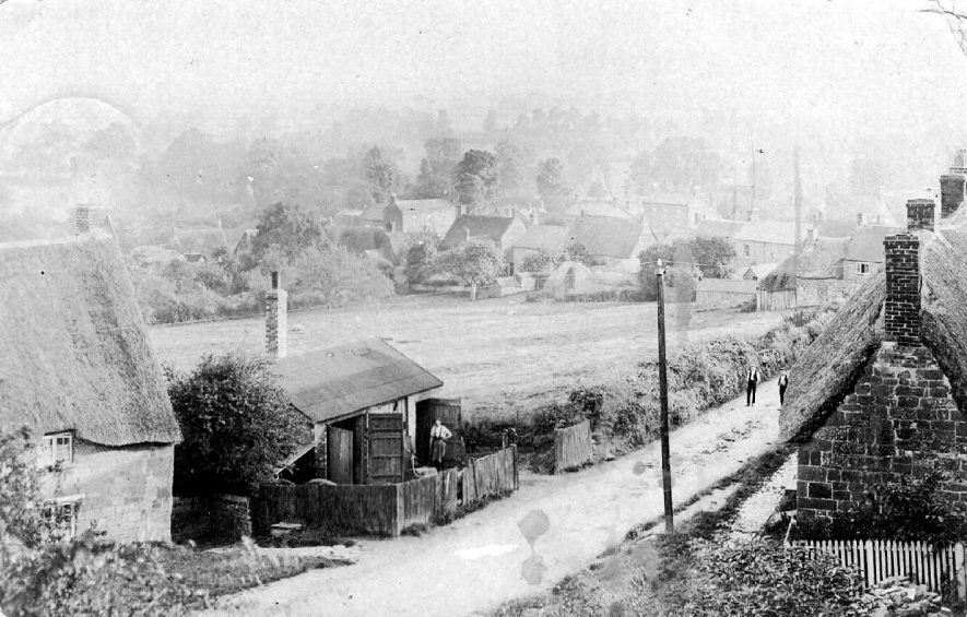 Hackwell Street, probably taken from Hackwell steps, showing the village Blacksmiths shop.  1900s |  IMAGE LOCATION: (Warwickshire County Record Office)