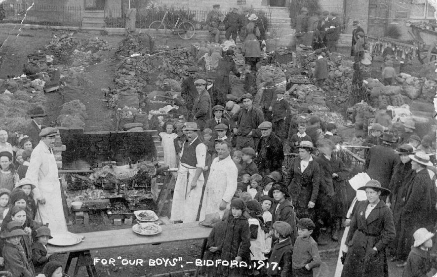 Ox roast and collection of goods for the armed forces at Bidford on Avon.  1917 |  IMAGE LOCATION: (Warwickshire County Record Office)