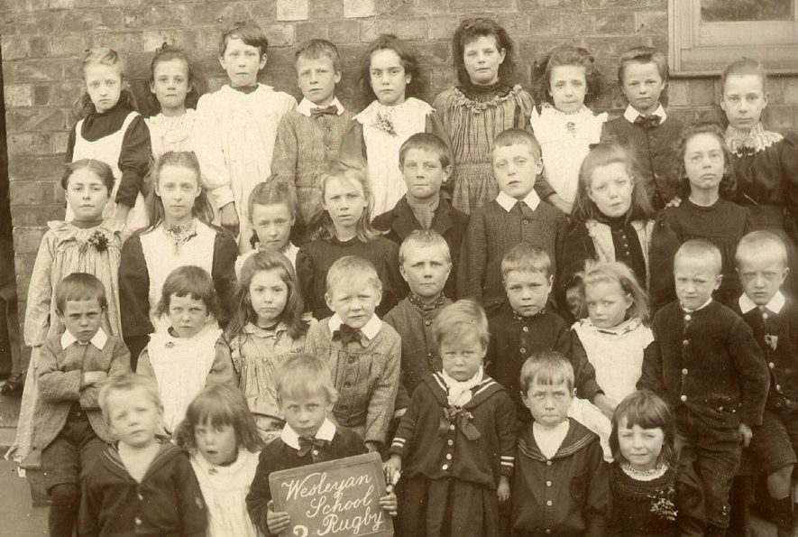Group photograph of pupils from Chapel Street Wesleyan School, Rugby.  1900s |  IMAGE LOCATION: (Rugby Library)