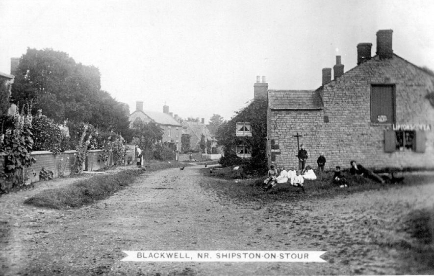 Blackwell village street in the 1910s. |  IMAGE LOCATION: (Warwickshire County Record Office)
