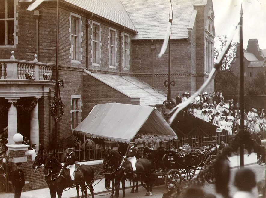 Departure of King Edward VII from The School House, Rugby School, following his opening of The Temple Speech Room on July 3rd 1909. |  IMAGE LOCATION: (Rugby Library) PEOPLE IN PHOTO: Edward VII