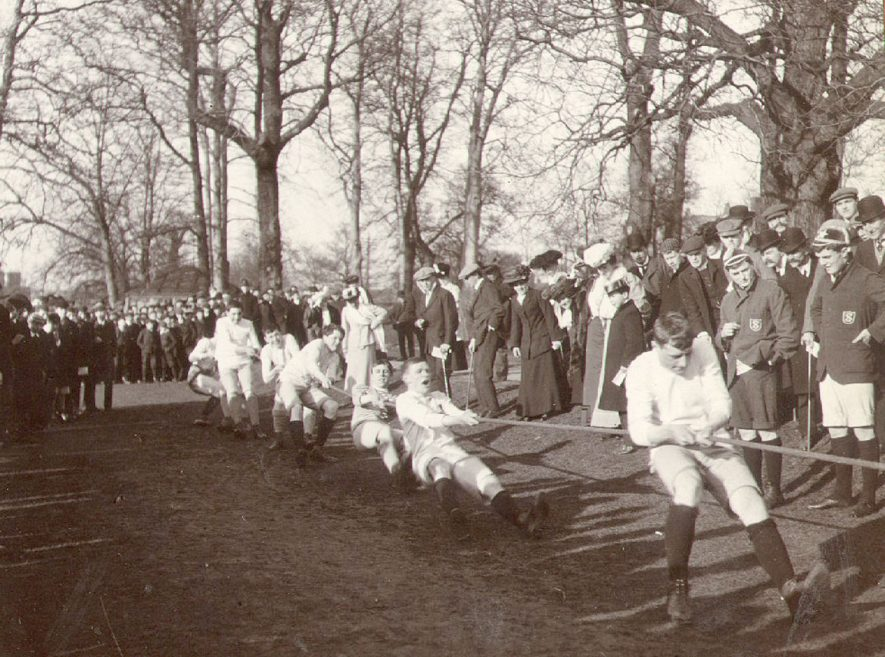 Tug of war at Rugby School sports.  1907 |  IMAGE LOCATION: (Rugby Library)