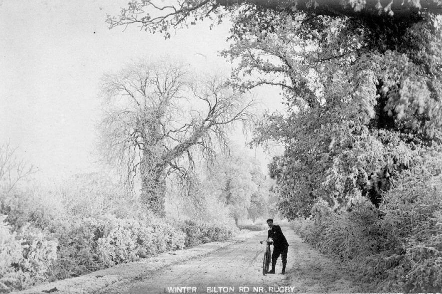 Road from Rugby to Bilton. Snow scene.  1900s |  IMAGE LOCATION: (Warwickshire County Record Office)
