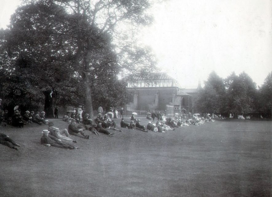 Spectators at Rugby School Close where a cricket match was being held.  1903 |  IMAGE LOCATION: (Rugby Library)