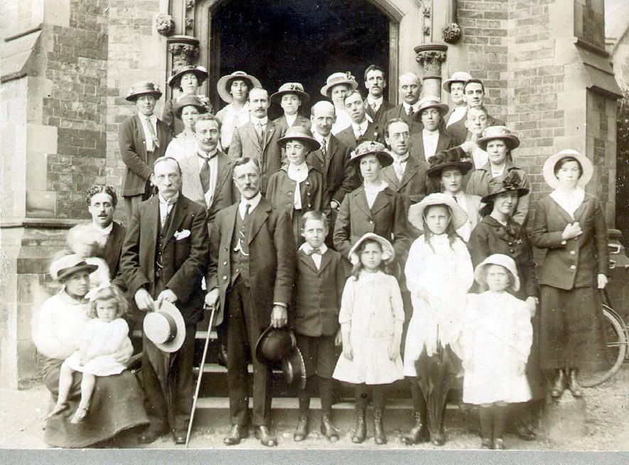 Group of Workers Educational Association outside Brownsover Hall, Rugby.  1912 |  IMAGE LOCATION: (Rugby Library)
