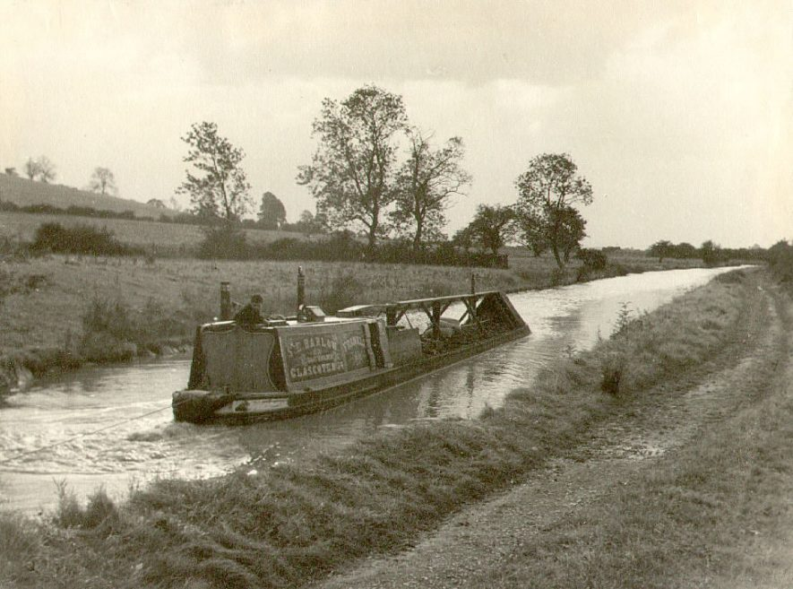 A canal boat on the Oxford Canal near Hillmorton.  1940 |  IMAGE LOCATION: (Rugby Library)