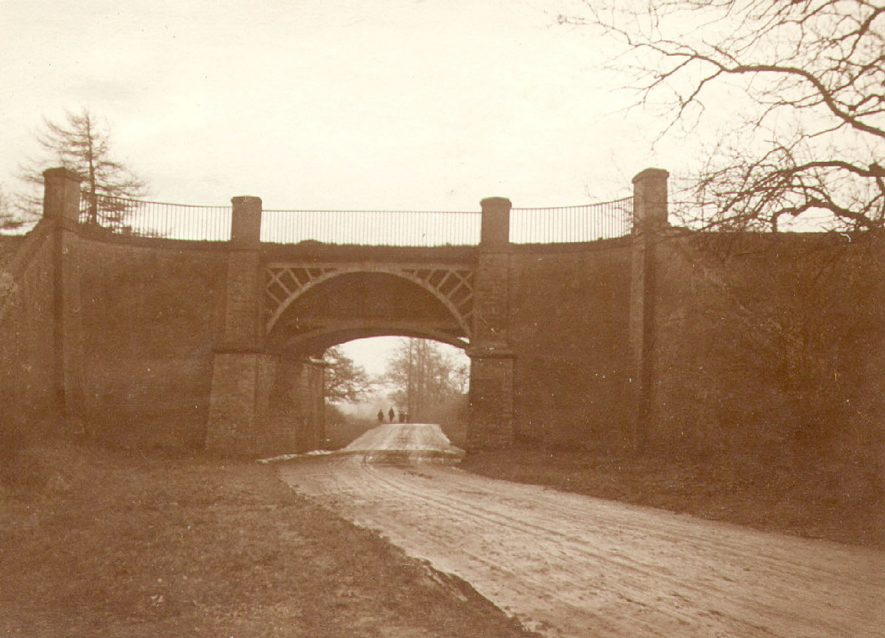 Oxford Canal aqueduct over Leicester Road, Rugby.  1910 |  IMAGE LOCATION: (Rugby Library)