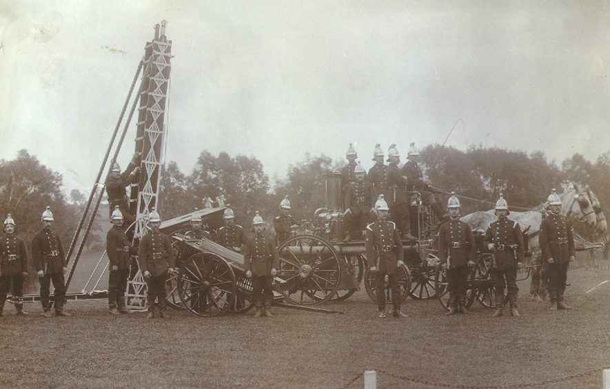 Rugby B.T.H. Fire Brigade in 1904 with horse drawn fire engine.    IMAGE LOCATION: (Rugby Library)