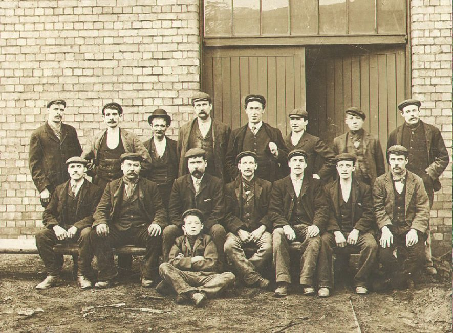 B.T.H. Foundry staff, Rugby.  1903 |  IMAGE LOCATION: (Rugby Library)