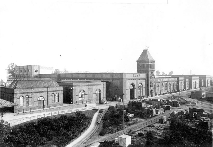 Willans & Robinson Ltd, Rugby.    North Front showing railway siding entering the factory, Victoria Works.  1900 |  IMAGE LOCATION: (Rugby Library)