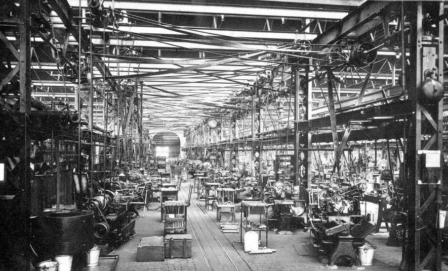 Main gangway of light machine shop at Willans & Robinson's Victoria works, Rugby.  1900 |  IMAGE LOCATION: (Rugby Library)