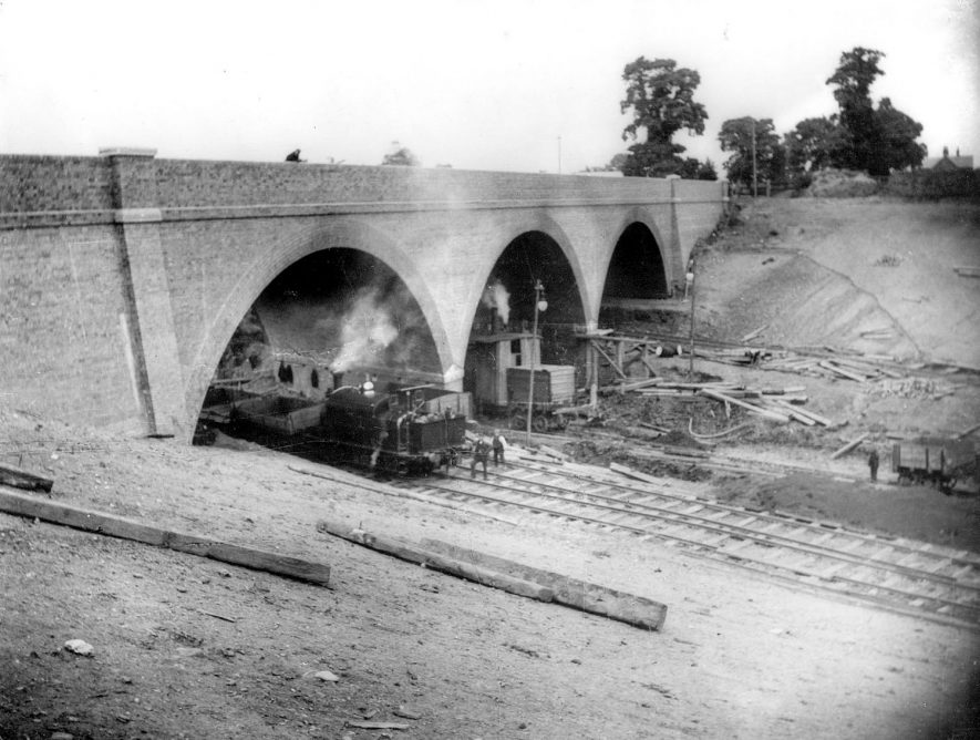 Great Central Railway bridge over Ashlawn Road, Hillmorton and construction work on the line.  1890s |  IMAGE LOCATION: (Rugby Library)