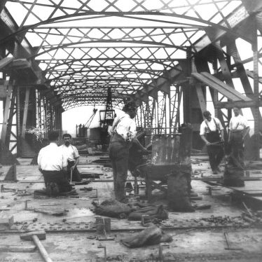 Rugby.  Bridge for the Great Central Railway over L.N.W.R.