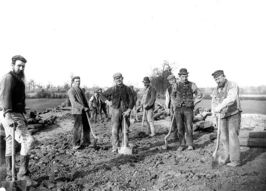 A trimming gang (making level), previous to permanent way being made for The Great Central railway, near to Newbold on Avon.  1900s |  IMAGE LOCATION: (Rugby Library)