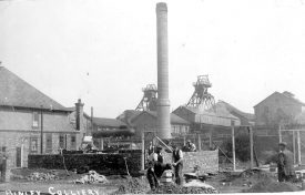 Binley Colliery showing buildings, chimney and winding gear.  1920s |  IMAGE LOCATION: (Warwickshire County Record Office)