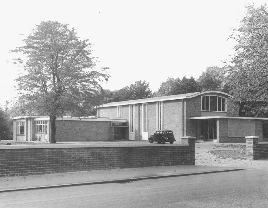 Rugby Presbyterian Church in Hillmorton Road.  1955 |  IMAGE LOCATION: (Rugby Library)