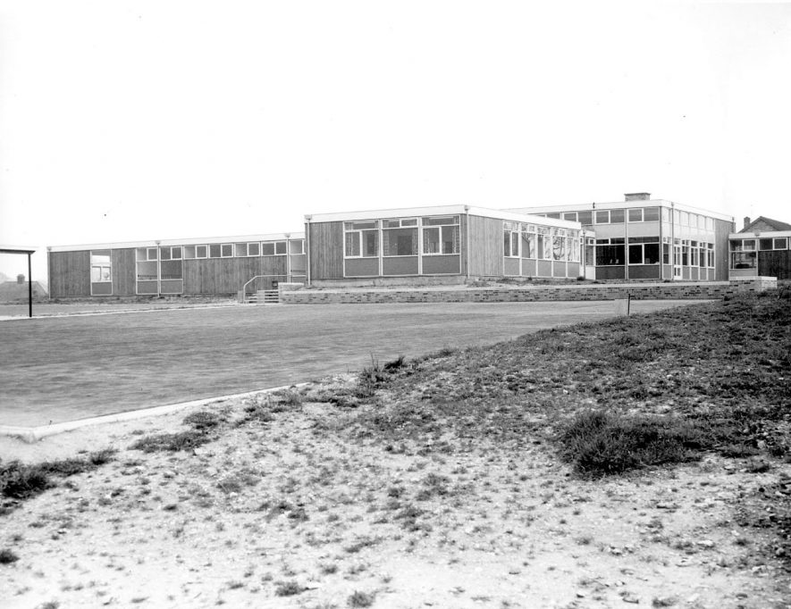 Abbot's Farm Junior School, Rugby, which was opened in April 1962.  1962 |  IMAGE LOCATION: (Rugby Library)
