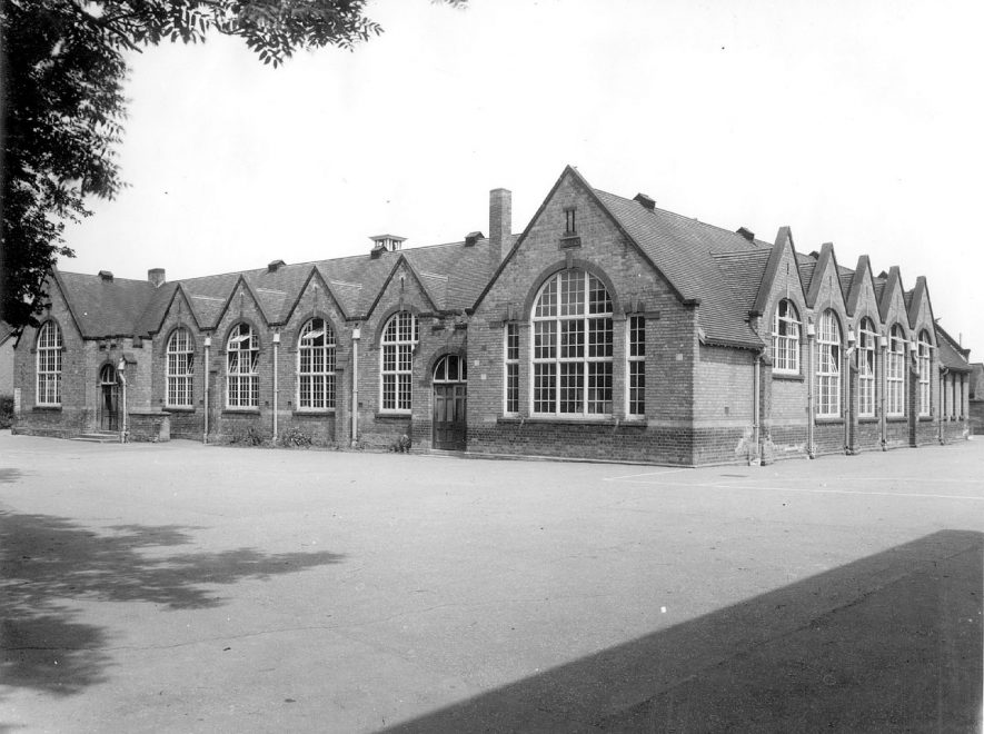 Eastlands School in St Peter's Road, Rugby.  1954 |  IMAGE LOCATION: (Rugby Library)
