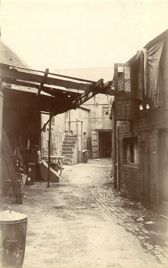 Old stable yard of the White Hart Inn in Drury Lane, Rugby.  1921 |  IMAGE LOCATION: (Rugby Library)