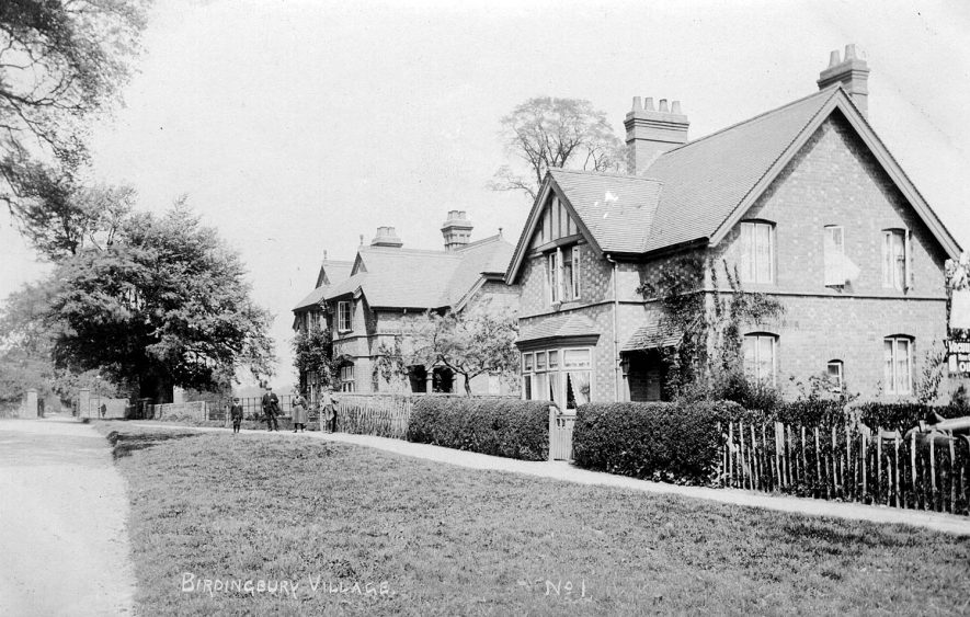 Houses of the butler and chauffeur, probably belonging to Birdingbury Hall.  1910s |  IMAGE LOCATION: (Warwickshire County Record Office)
