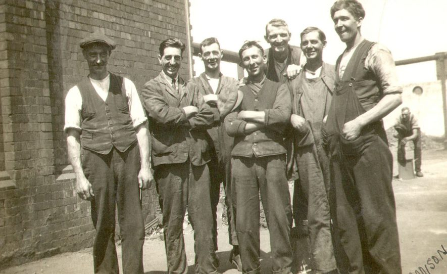 Fitting staff at Rugby Gas Works.  1929 |  IMAGE LOCATION: (Rugby Library)