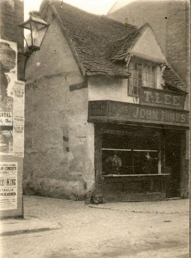 This medieval building is reputed to be the oldest shop in Rugby. It is said that the steak used on Tom Brown's black eye (after his famous fight) was purchased from here. For a long time a butchers shop, the premises have since housed a restaurant and most recently a boutique.  1900s    IMAGE LOCATION: (Rugby Library)