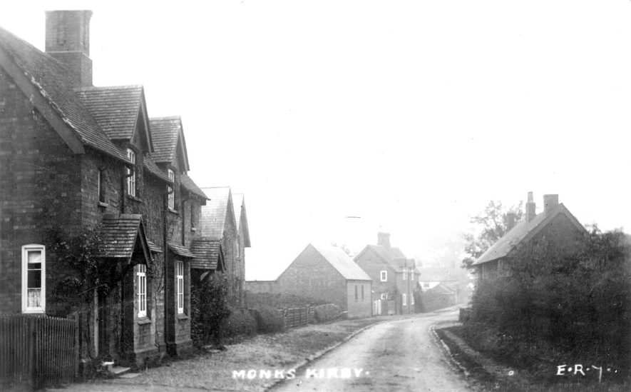 Village street and cottages in Monks Kirby.  1910s |  IMAGE LOCATION: (Warwickshire County Record Office)