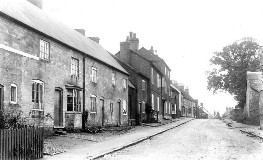 Village street in Pailton.  1910s |  IMAGE LOCATION: (Warwickshire County Record Office)