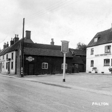 Pailton.  White Lion Inn