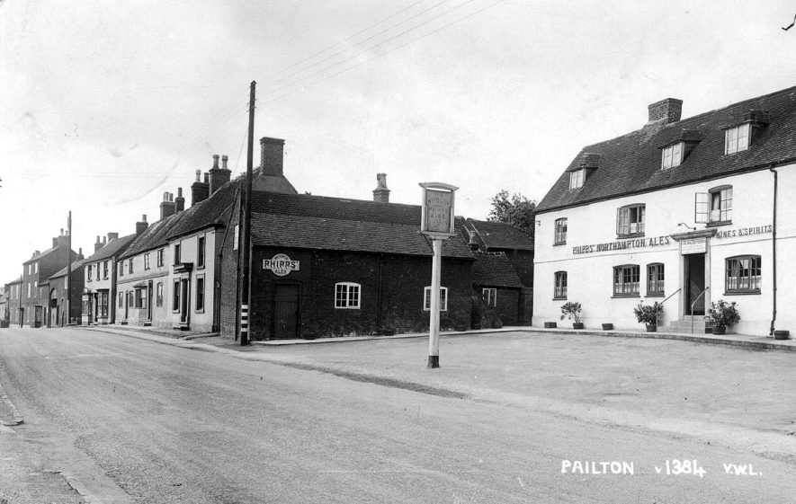 The White Lion Inn, Pailton.  1930s |  IMAGE LOCATION: (Warwickshire County Record Office)