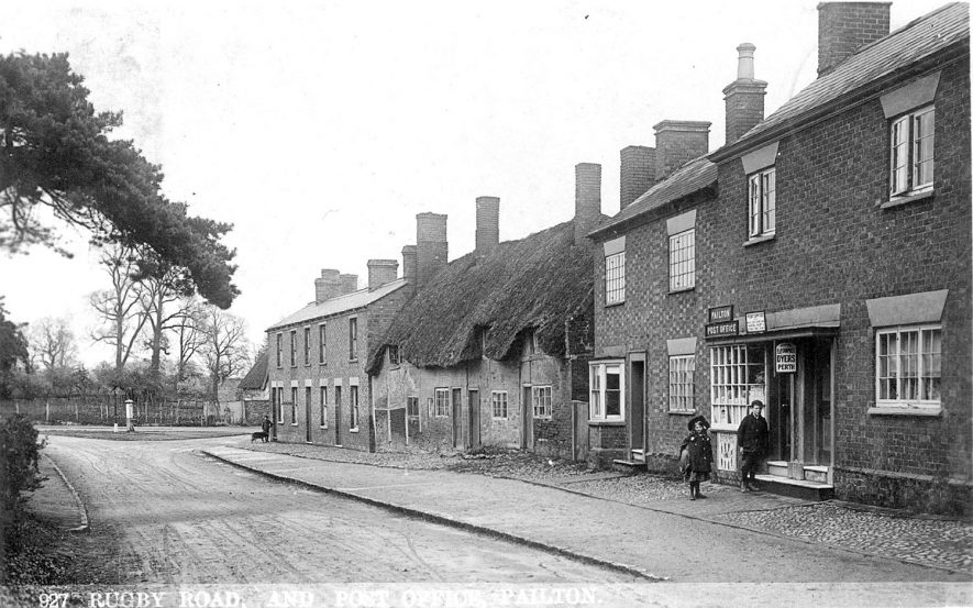 Post office and cottages in Rugby Road, Pailton.  1900s |  IMAGE LOCATION: (Warwickshire County Record Office)