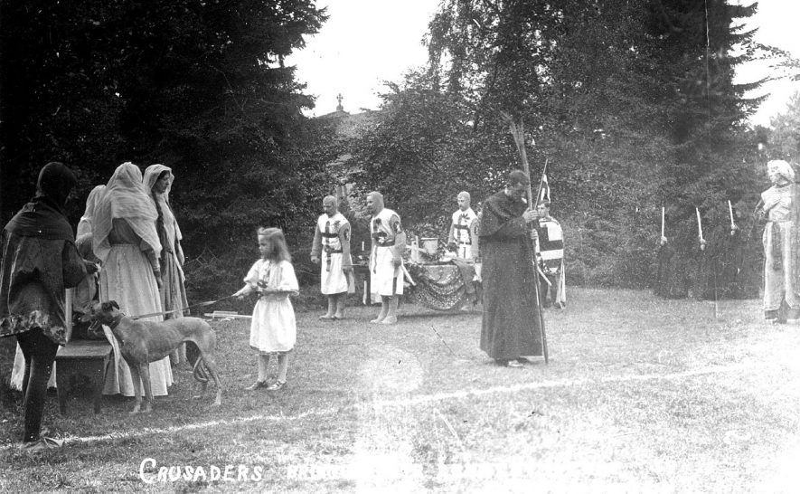Pageant at Clifton upon Dunsmore.  1910 |  IMAGE LOCATION: (Warwickshire County Record Office)