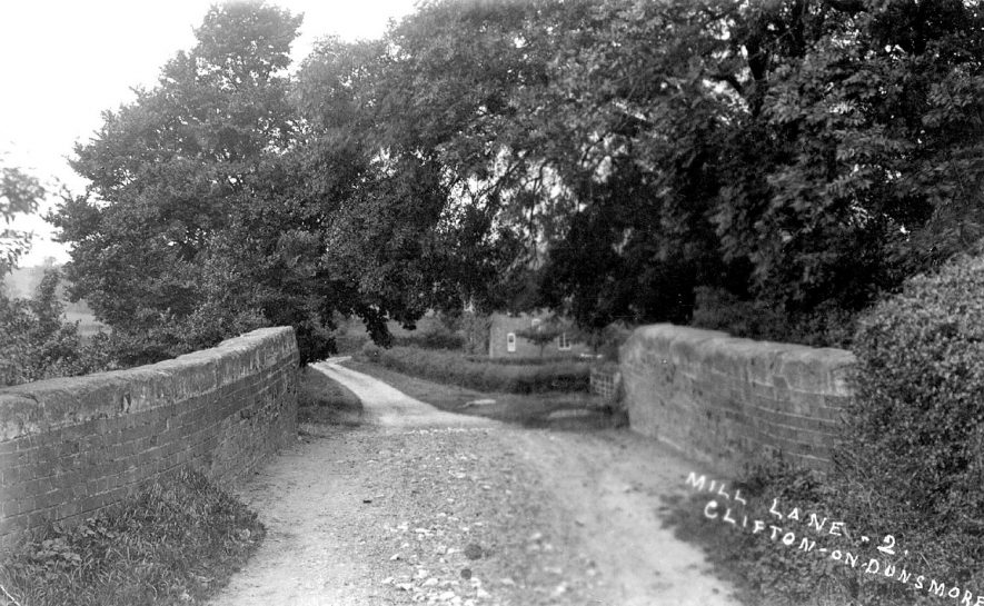 Mill Lane, Clifton upon Dunsmore.  1900s |  IMAGE LOCATION: (Warwickshire County Record Office)