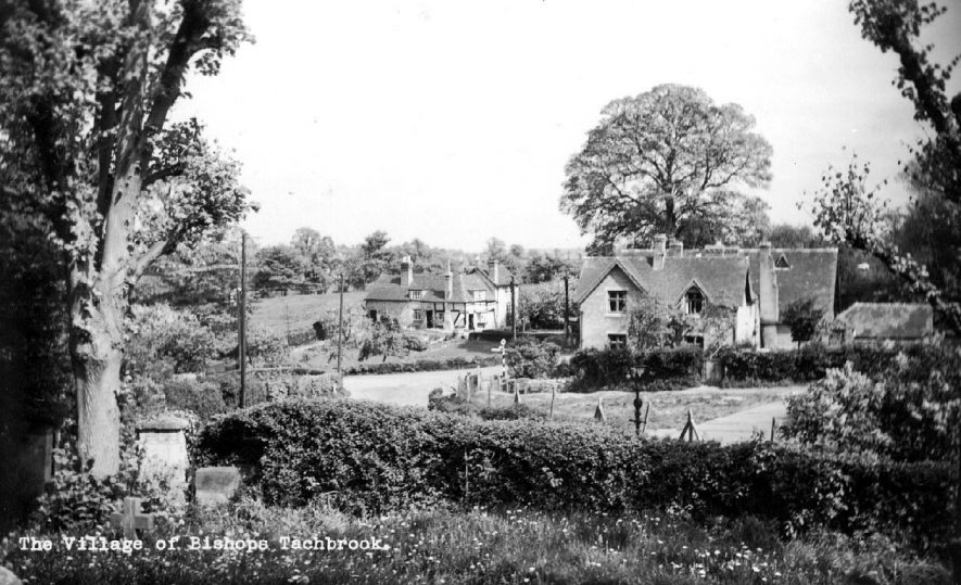 Scene of part of the village of Bishops Tachbrook showing cottages and countryside.  1950s |  IMAGE LOCATION: (Warwickshire County Record Office)