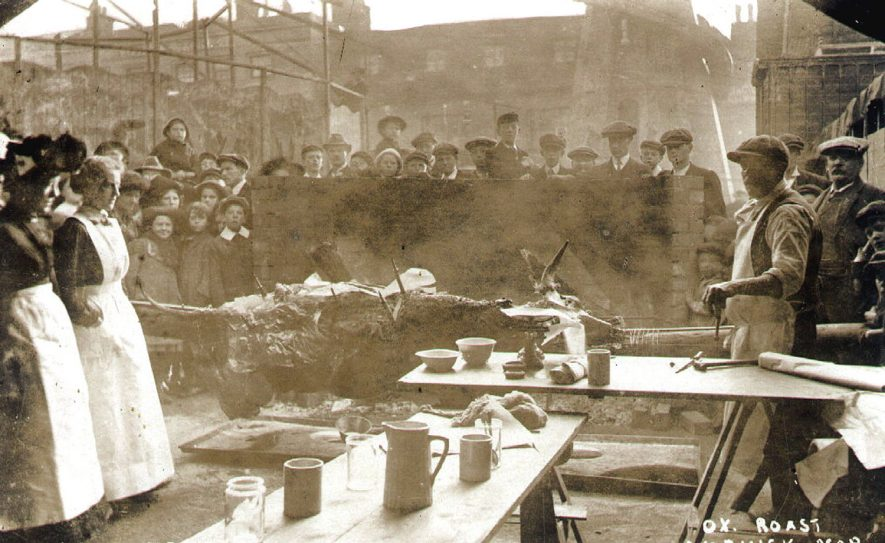 Ox Roast at the Warwick Mop.  1900s |  IMAGE LOCATION: (Warwickshire County Record Office)