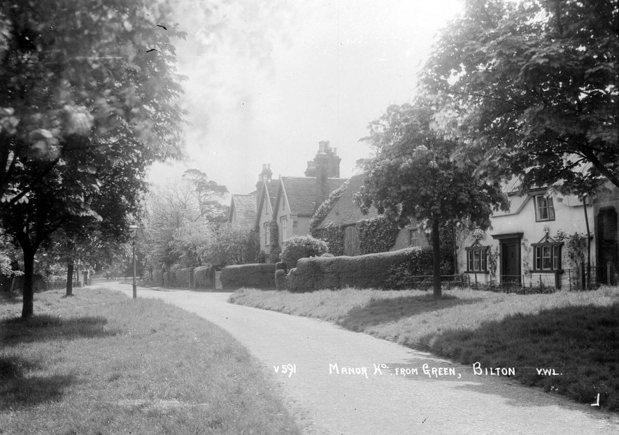 The manor house as seen from The Green, Bilton.  1920s |  IMAGE LOCATION: (Warwickshire County Record Office)