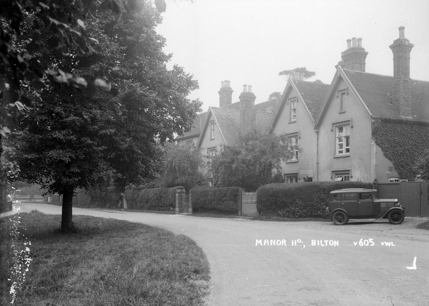 The manor house in Bilton.  1930s |  IMAGE LOCATION: (Warwickshire County Record Office)